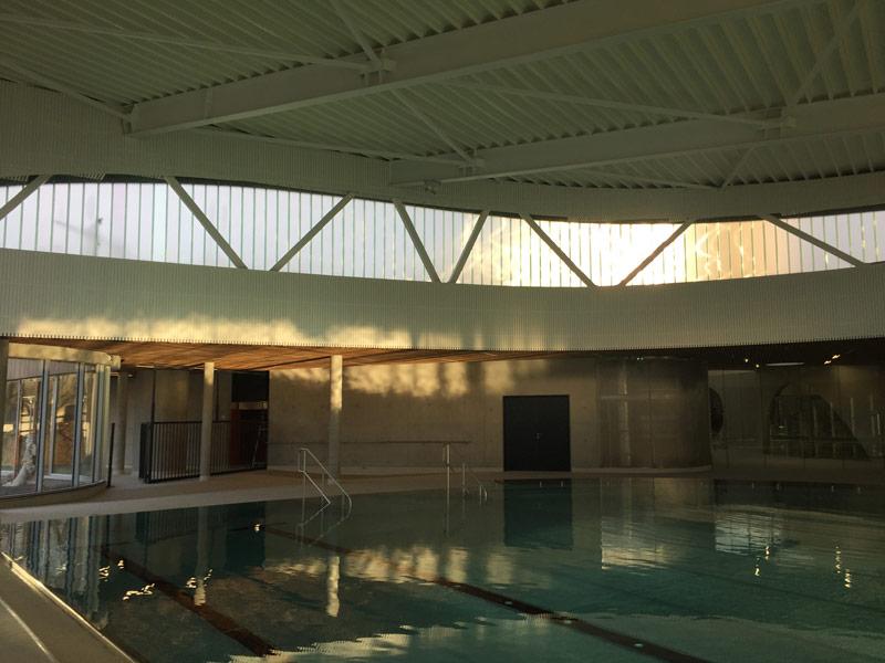 R alisation bardage et faux plafond bois la piscine de for Piscine lille sud
